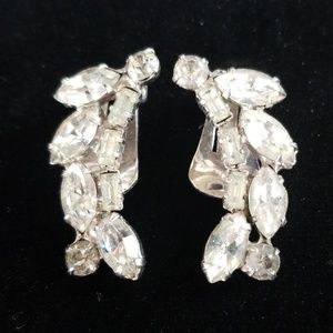 Vintage WEISS Clear Rhinestone Clip On Earrings